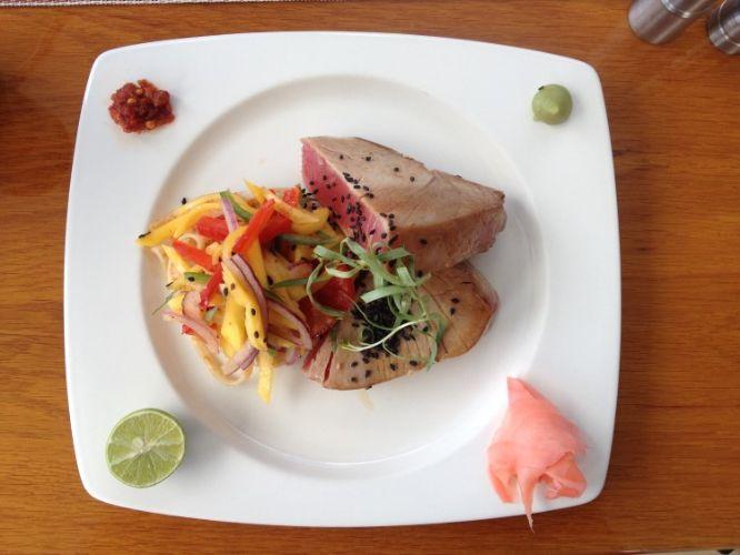 Seared Tuna with Mango Jalapeño Slaw