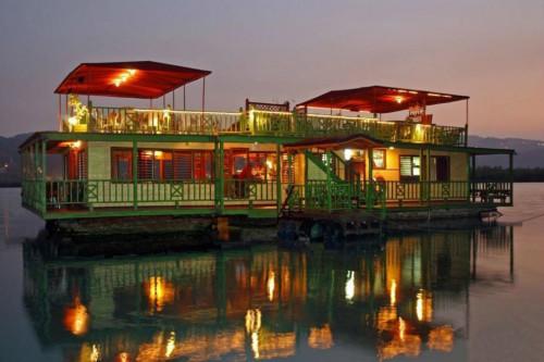 Houseboat-Jamaica_54_990x660_201406020024