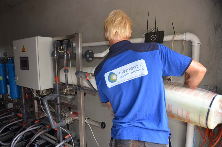 Loading the reverse osmosis membranes