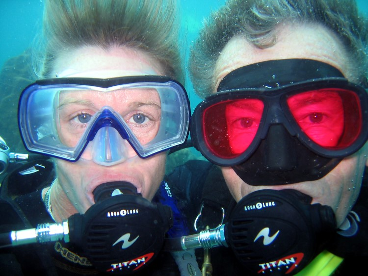 colin-and-penny-underwater